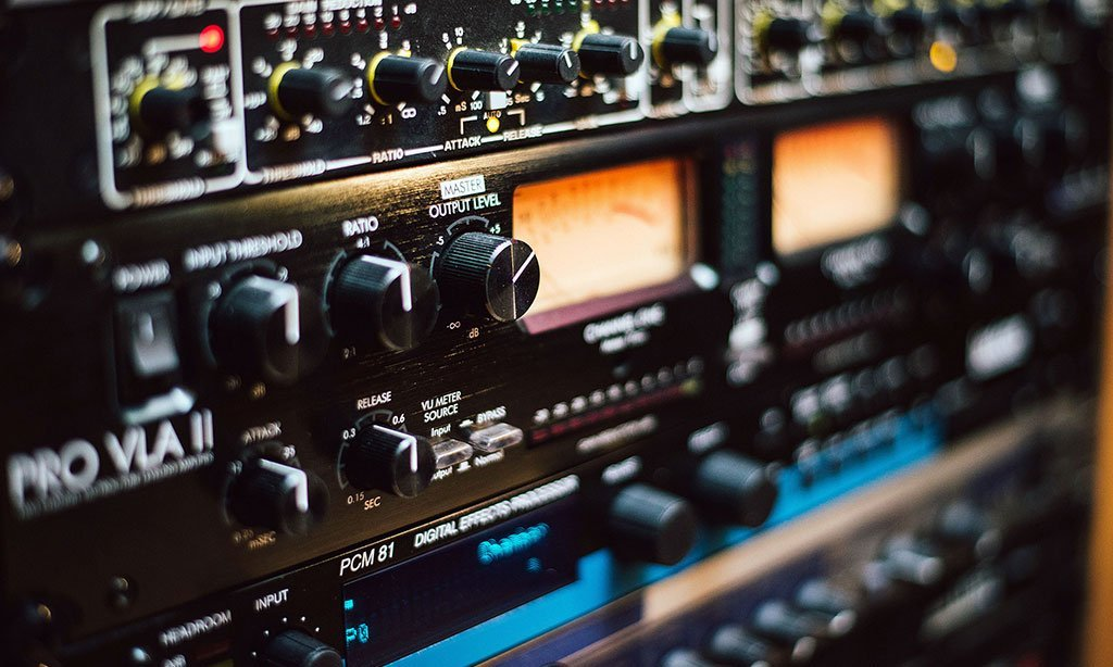 קונטרול 2 : אולפן הקלטות : אולפני הקלטות - אולפני סטורם