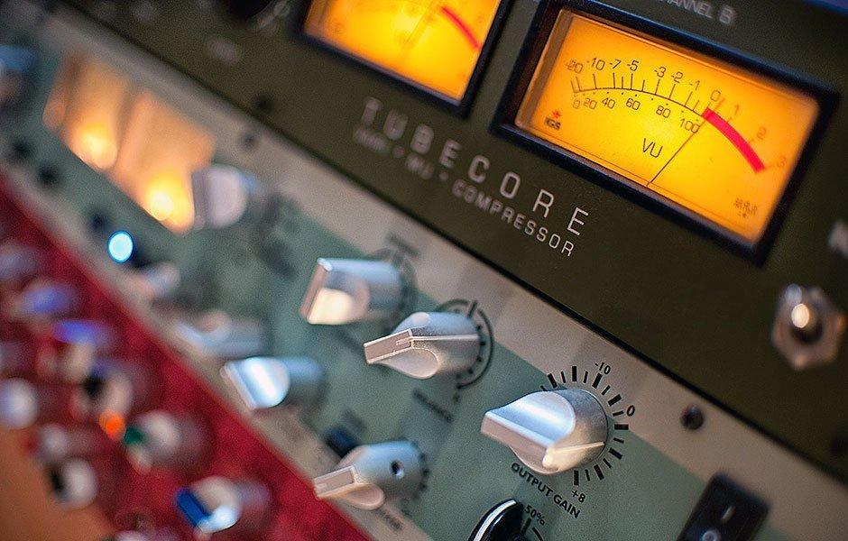 מאסטרינג : אולפן הקלטות : אולפני הקלטות - אולפני סטורם