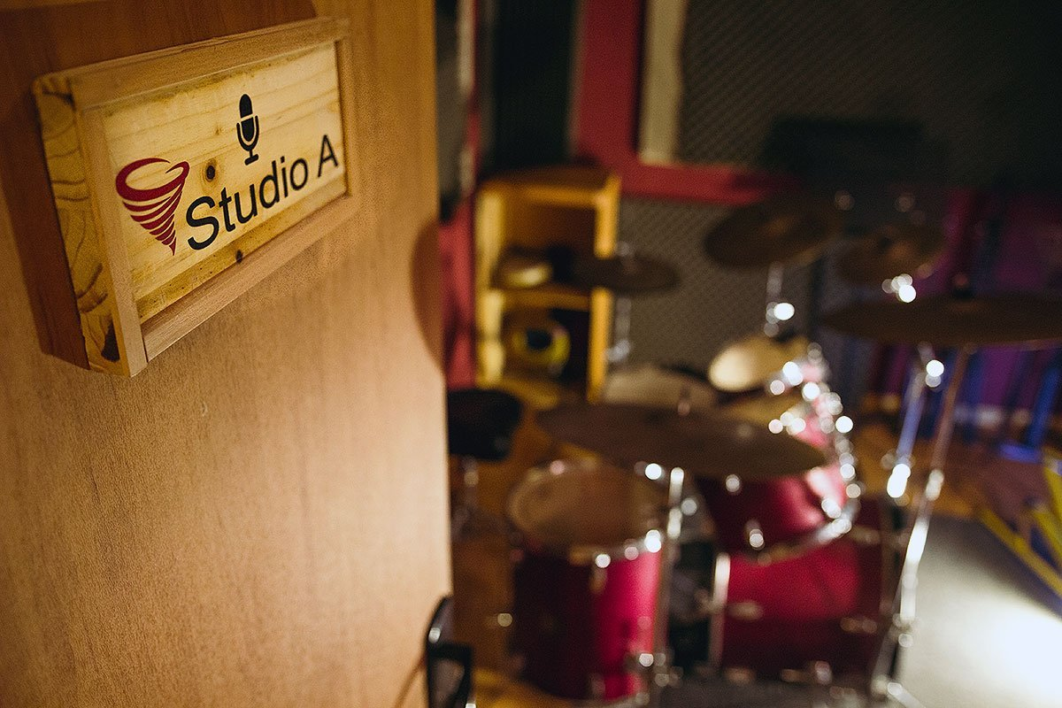 סטודיו A : אולפן הקלטות : אולפני הקלטות - אולפני סטורם