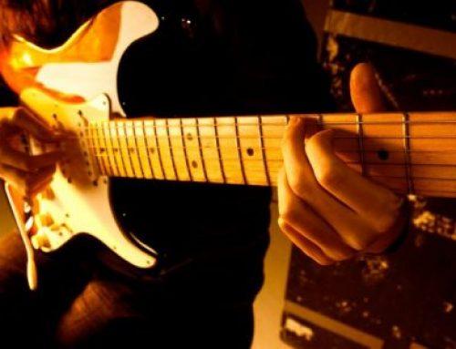 9 טעויות נפוצות של גיטריסטים אקוסטיים הלומדים לנגן בגיטרה חשמלית חלק א'